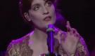 Nonostante quello che possa sembrare, qui Florence sta cantando, non sta avendo un'apparizione.